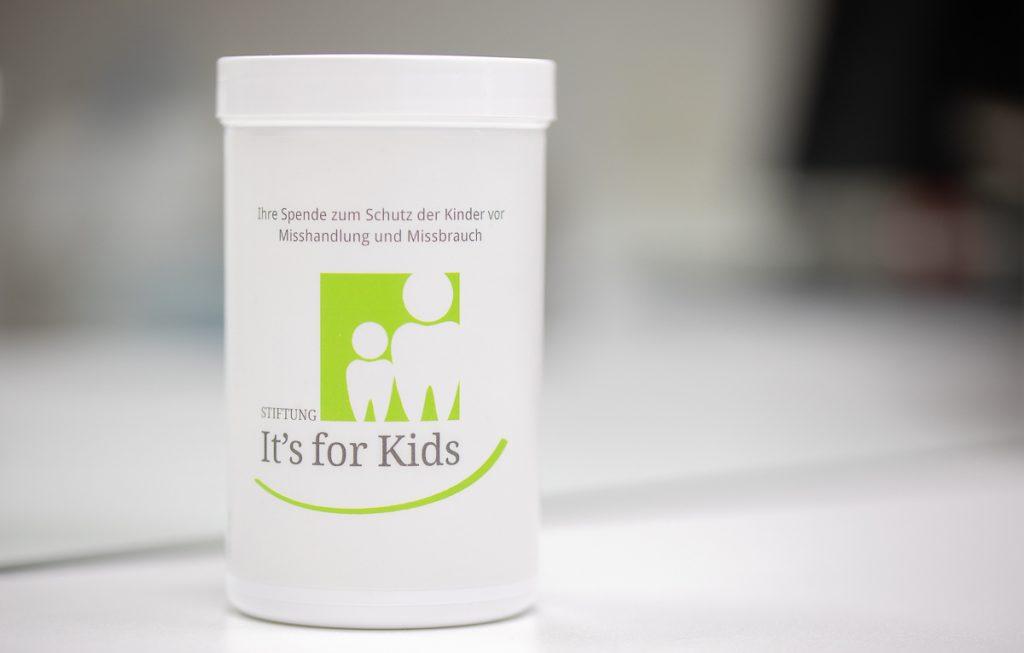 Spendendose der Stiftung It´s for kids